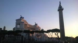 Le monument à Victor-Emmanuel II trône sur la piazza Venezia