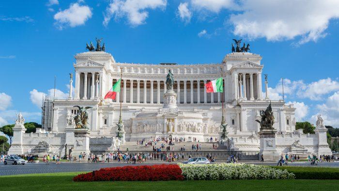 """Le monument à Victor-Emmanuel II est surnommé """"Il Vittoriano"""""""