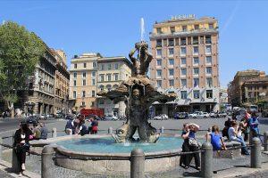 La très chic piazza Barberini