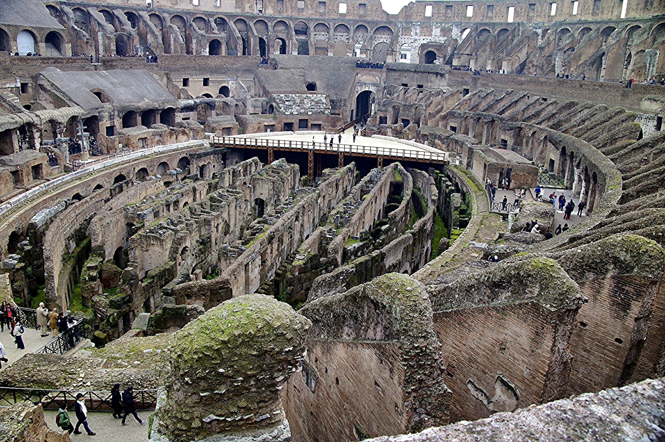 peut on visiter le colis e et le forum romain avec des. Black Bedroom Furniture Sets. Home Design Ideas