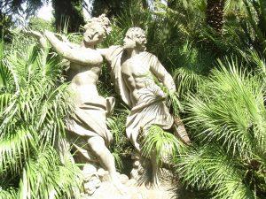 Statues Villa Sciarra.
