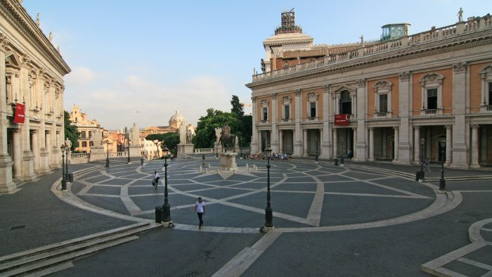 Les expositions sur la Piazza_del_Campidoglio_Roma