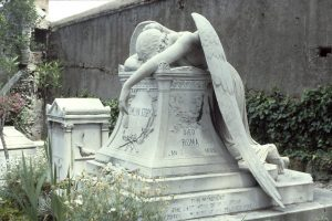 Découvrez l'étonnant cimetière protestant de Rome