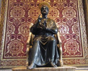 statue saint-pierre rome basilique