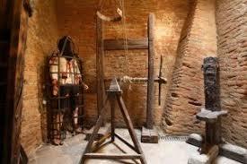 Halloween musee criminologie Rome.