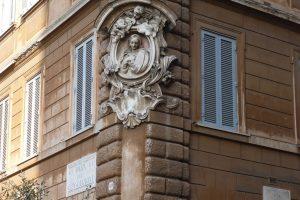 Découvrez les madonnelle de rues en balade à Rome