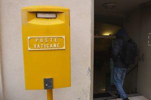 Comment envoyer votre courrier avec un timbre du Vatican ?