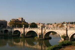 Partez sur les traces des crues du Tibre à Rome