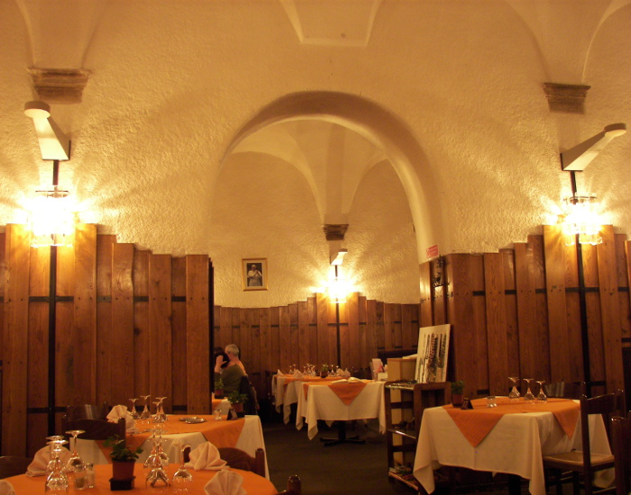 L'eau_Vive_restaurant,_Rome