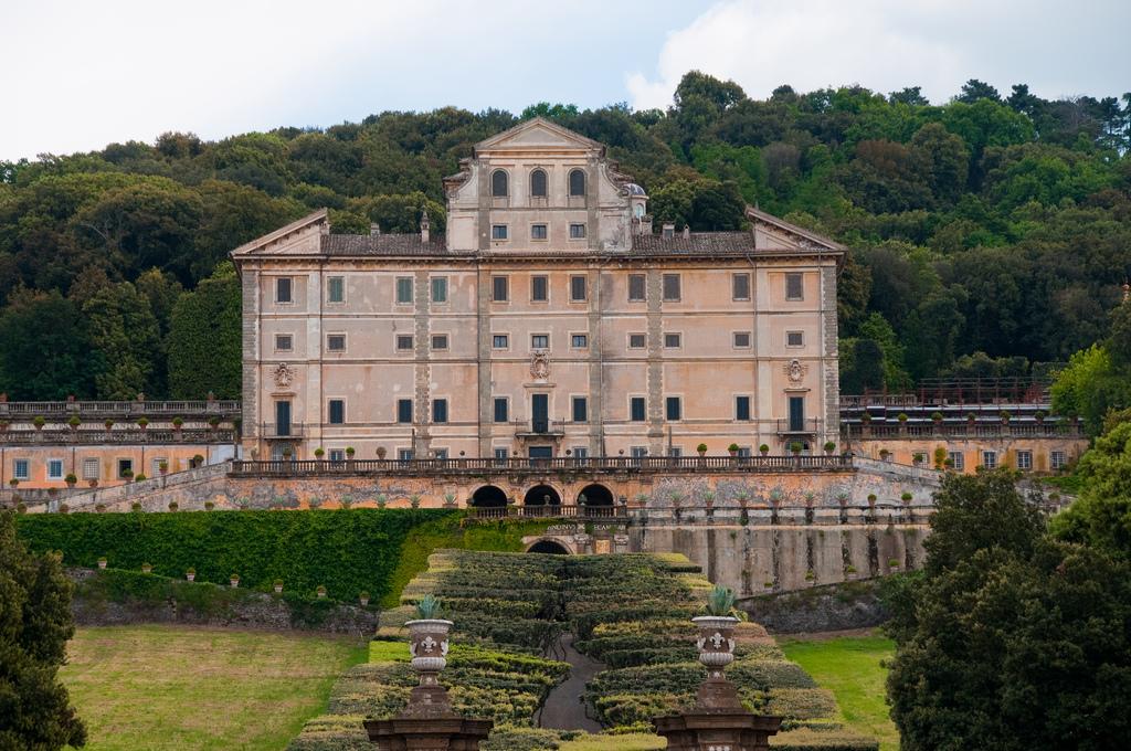 castelli romani villa frascati rome