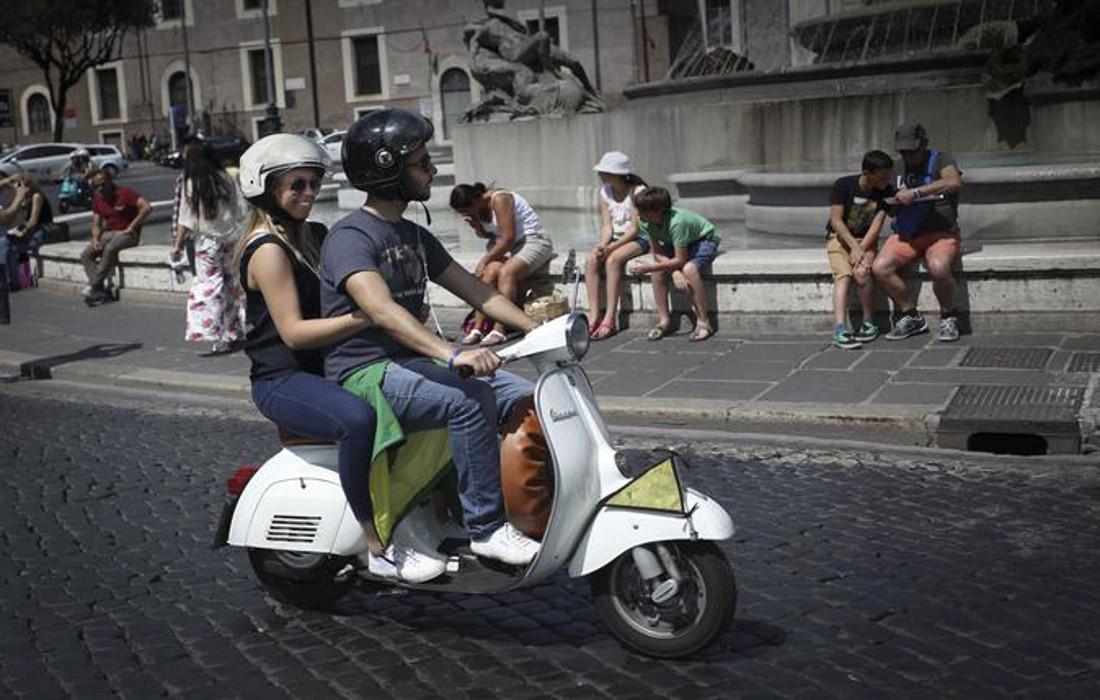 rome-vespa-promenade