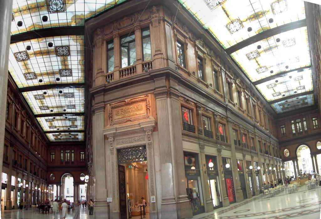 Galleria_Alberto_Sordi_Rome black friday