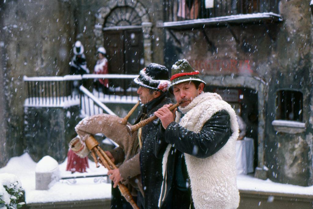 san stefano rome neige zampognari