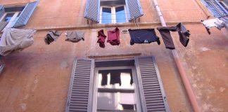 Du linge au fenêtre dans le quartier du Trastevere