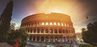 Le Colisée sous le soleil