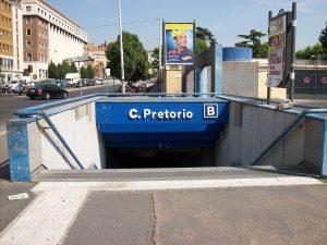 bouche de métro à Rome