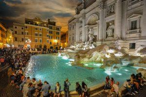 fontaine de trevi de nuit rome
