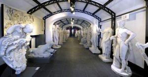 Le dépôt des sculptures de la Villa Borghese.