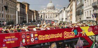 Un bus touristique à Rome.