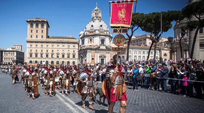 Un défilé pour l'anniversaire de Rome.