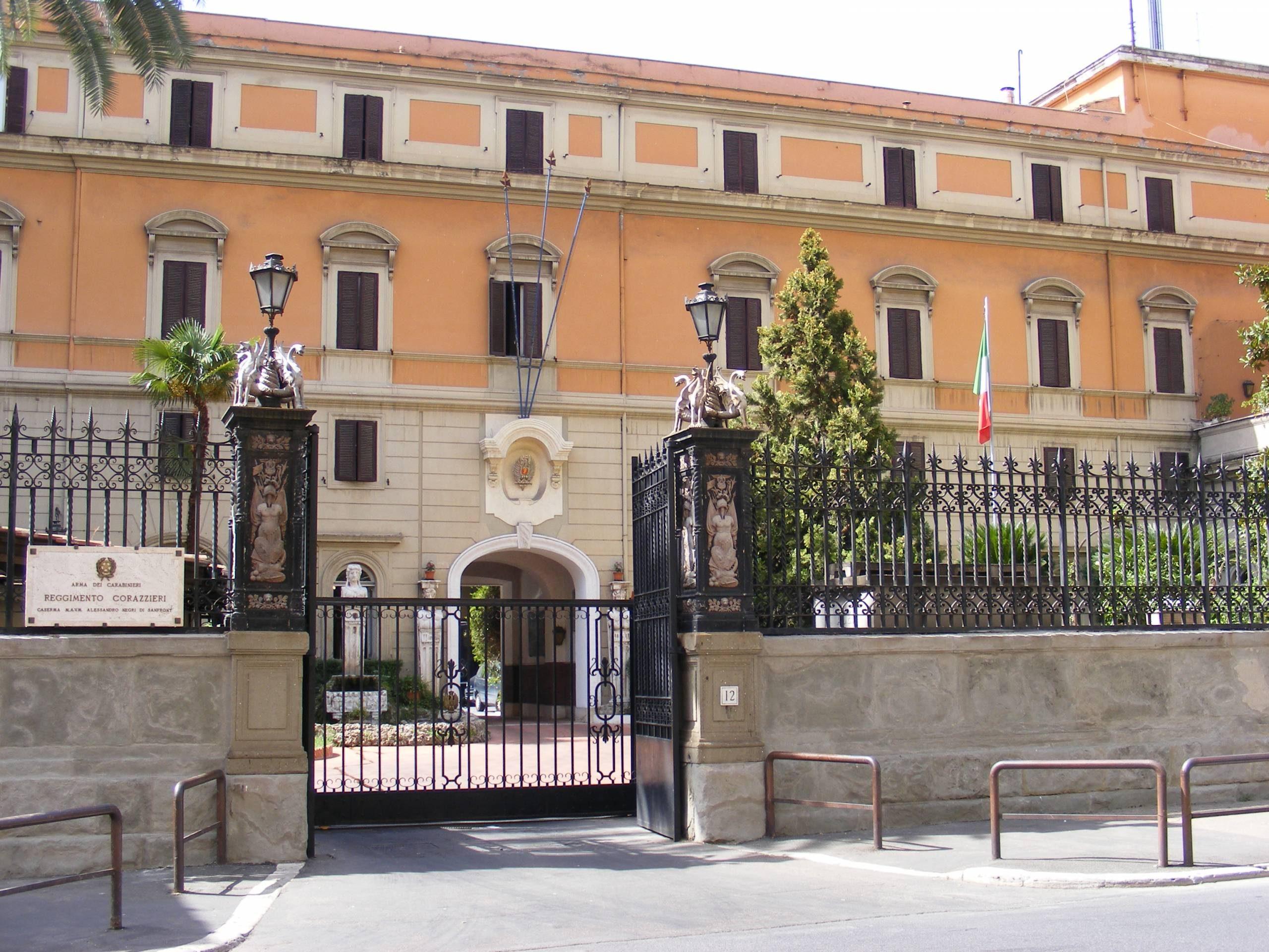 economies visite caserne des Corazzieri rome