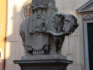 Elefantino, l'une des sculptures les plus originales de Rome.