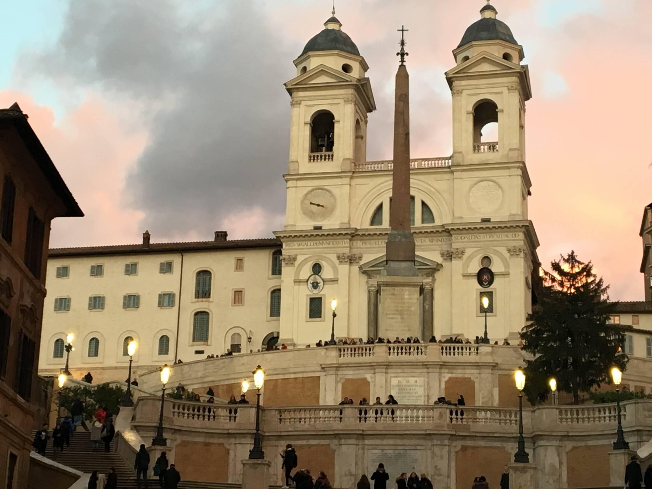 Rome en chiffres : eglise trinite des monts.