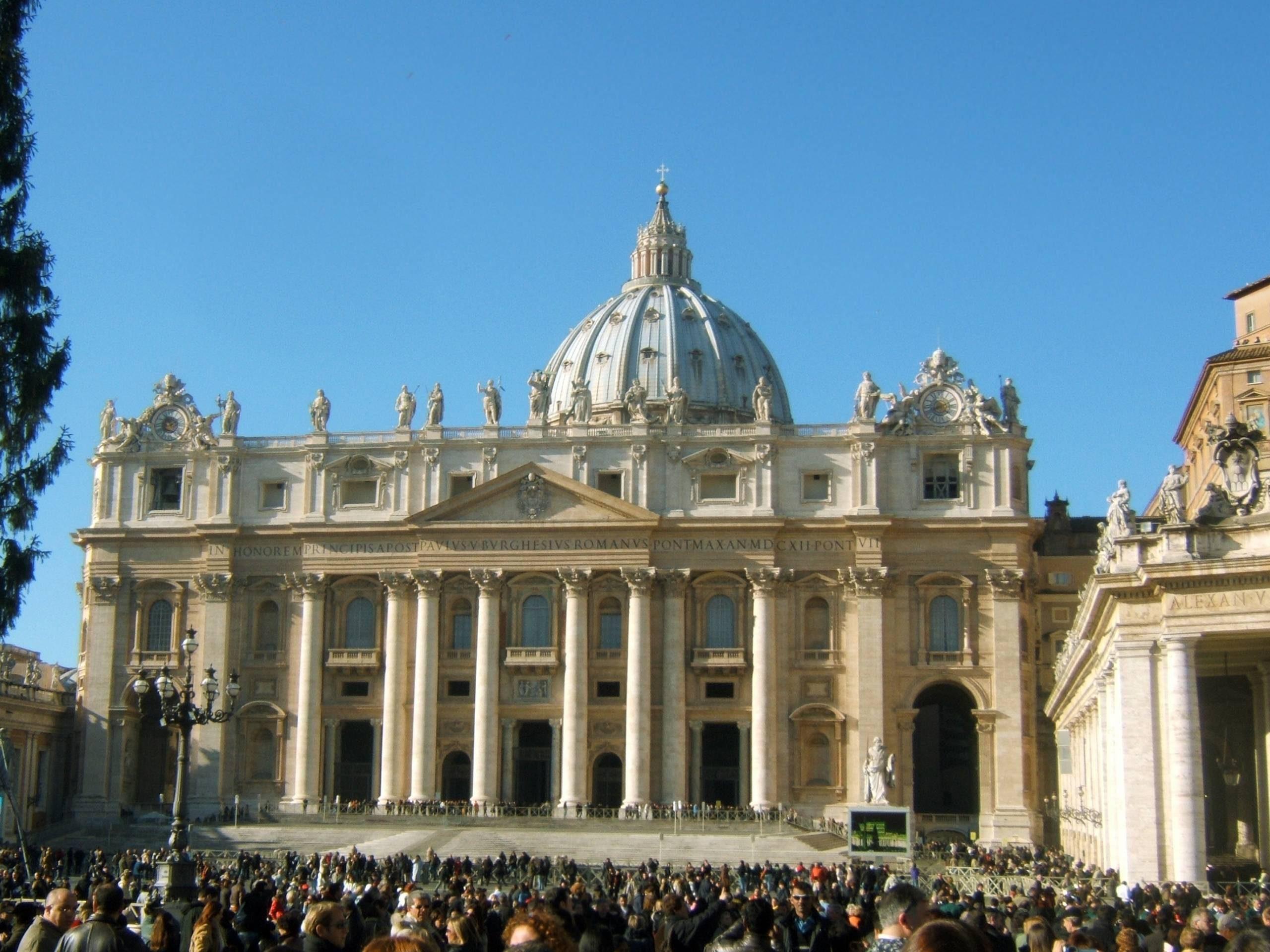 Basilique-Saint-Pierre-Vatican-Rome