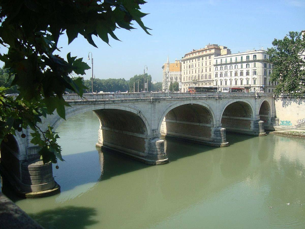 1er janvier Ponte Cavour Rome.