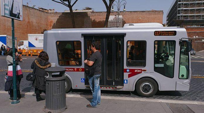 Bus électrique centre historique Rome.