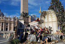 crèches Noël Rome place saint pierre