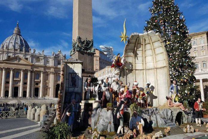 creches-noel-rome-place-saint-pierre