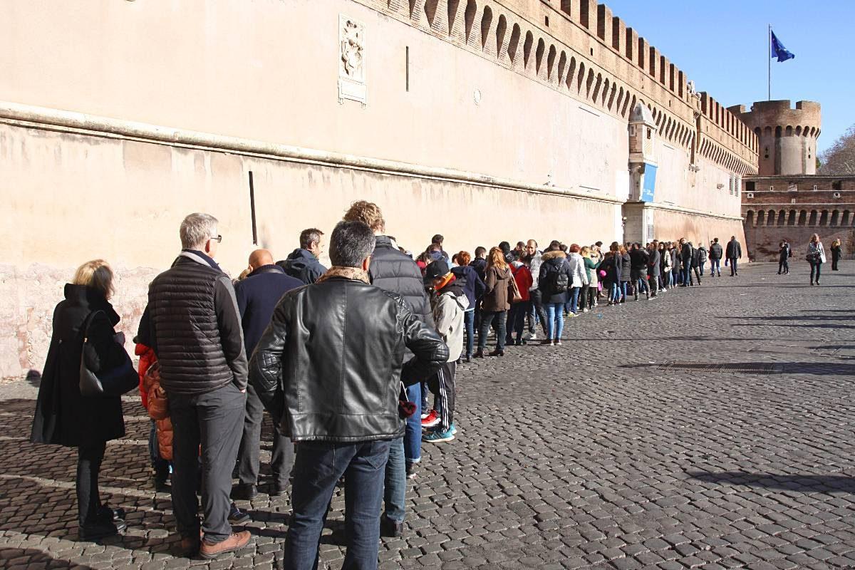 chateau saint ange rome attente