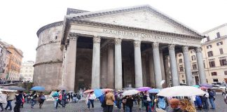 Pluie Rome visite Panthéon