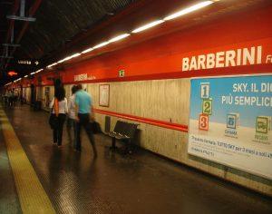 Rome métro neige barberini.