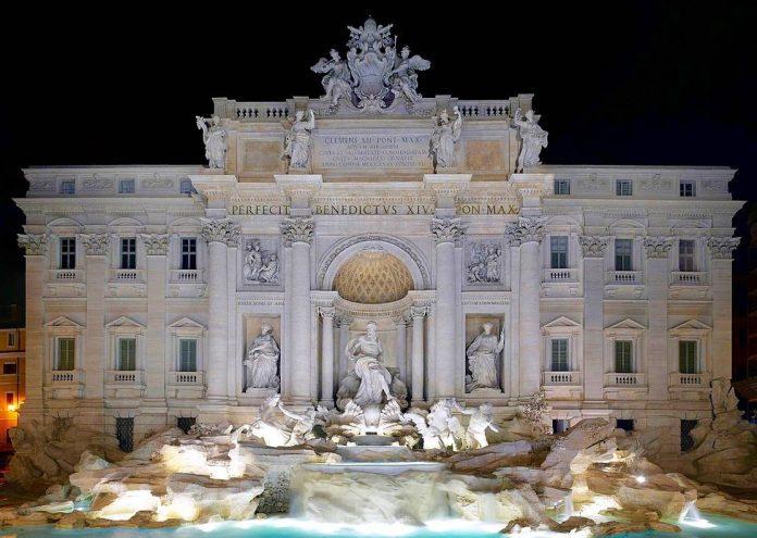 Rome soirée fontaine de trevi