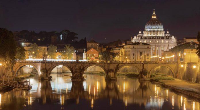 basilique saint-pierre de Rome nuit