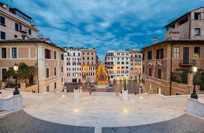 Via dei Condotti Rome soldes