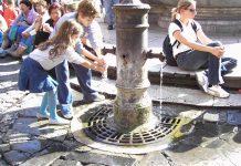 boire eau fraîche nasoni Rome.