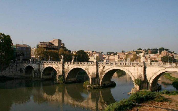 tibre-pont-saint-ange-rome