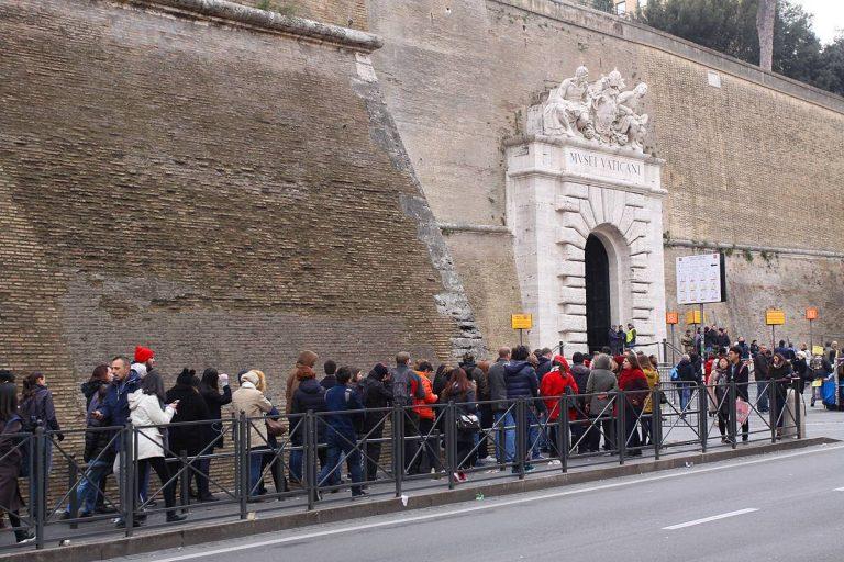 Comment réserver un billet coupe-file pour visiter les musées du Vatican ?