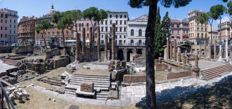 Travaux en vue sur le site de Largo di Torre Argentina à Rome