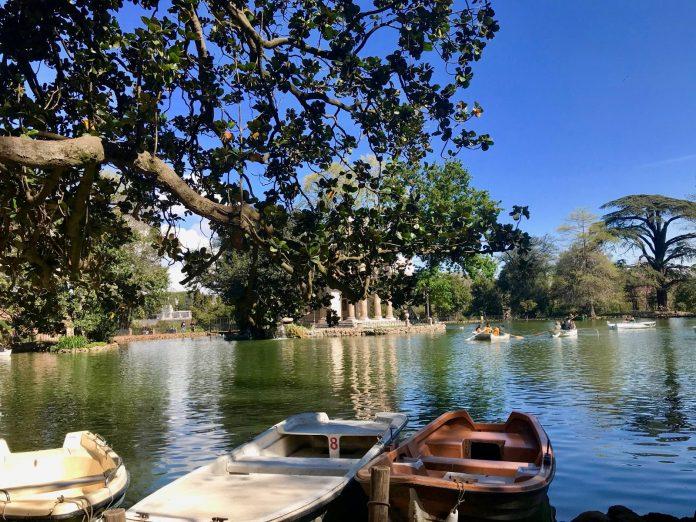 location barque villa borghese rome